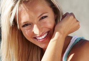 Вместо пластики: как стоматолог может сделать нас моложе?