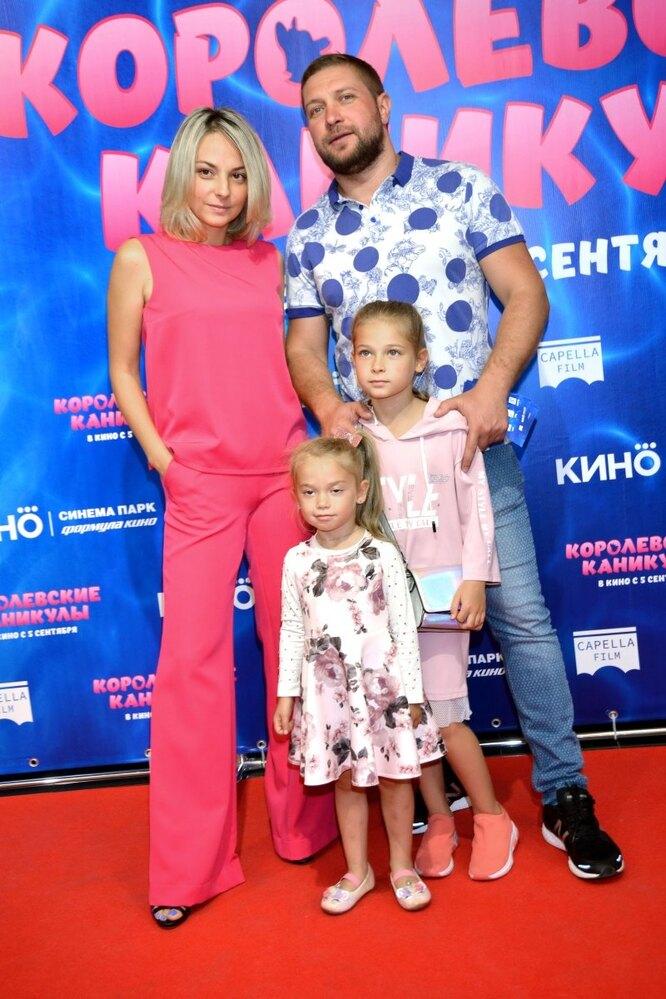 Дарья Сагалова, Константин Масленников, Елизавета Масленникова, Стефания Масленникова