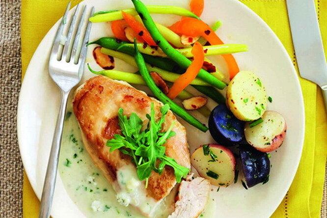 Куриная грудка по-французски с голубым сыром