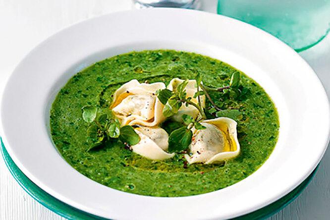 Суп из зеленого горошка с тортеллини