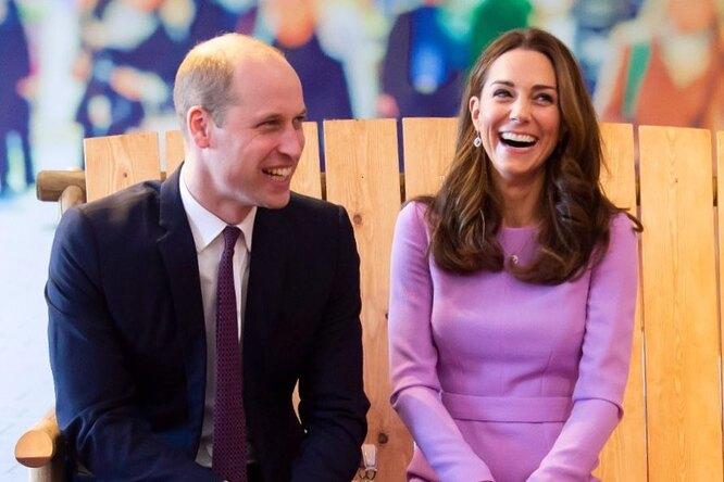 «Это ночной кошмар!» Принц Уильям учится делать прически своей дочери