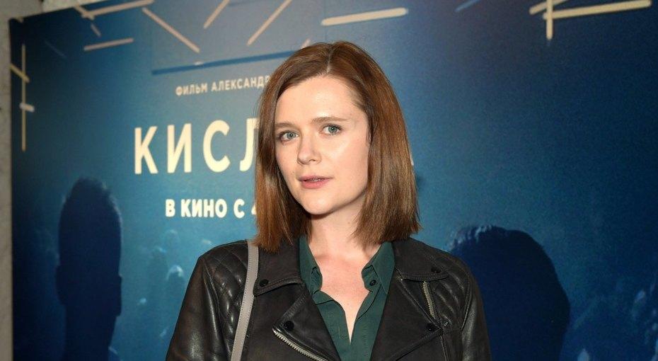 Дарья Калмыкова перестала скрывать беременность ипоказала заметно округлившийся живот