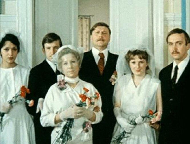 """кадр из фильма """"Покровские ворота"""", 1982 год"""
