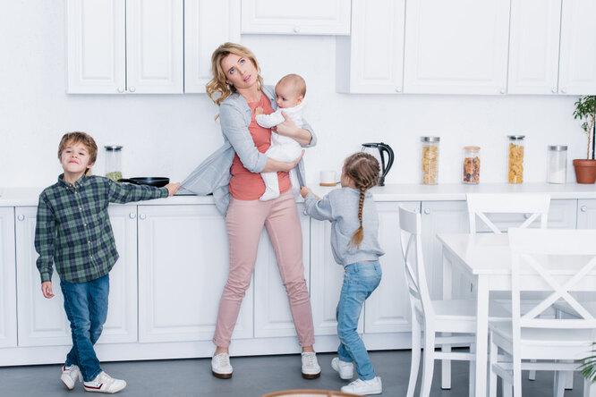 Растить детей — работа! Татьяна Москалькова предложила вносить втрудовой стаж период воспитания ребенка