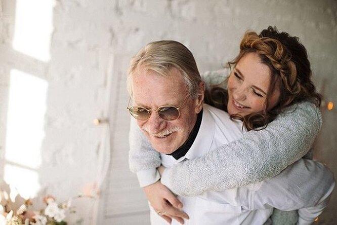 Иван Краско и его молодая жена показали романтические семейные фотографии