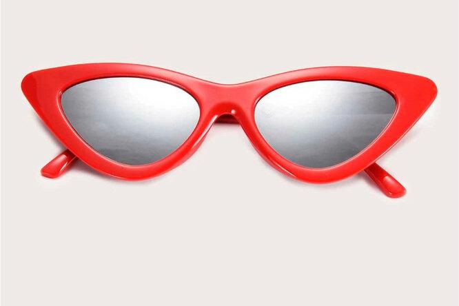 Солнечные очки, 380 руб.