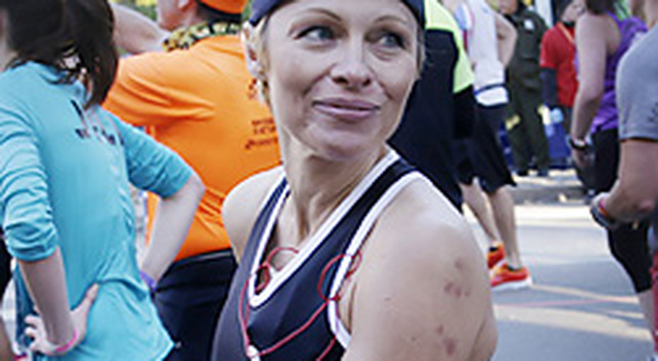Памела Андерсон пробежала марафон