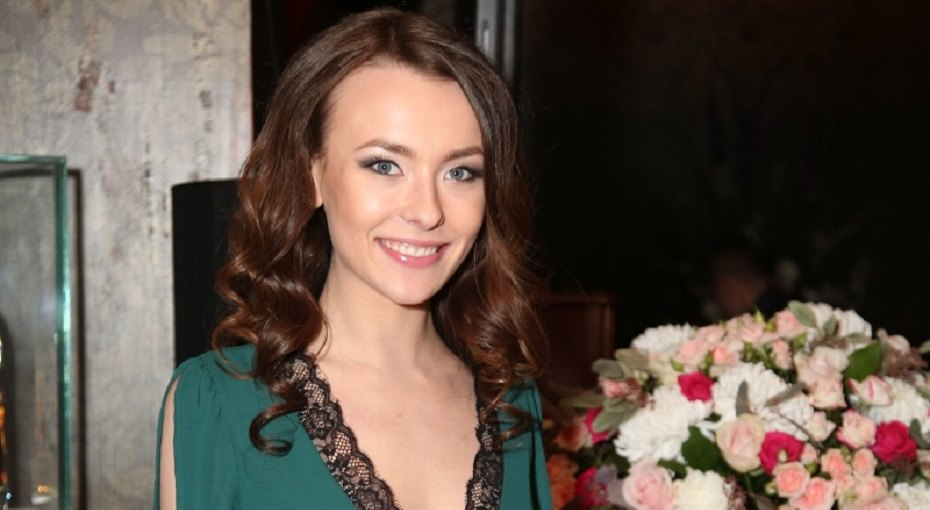 «Всё серьёзно»: актриса «Универа» Анастасия Иванова выложила свадебные фото