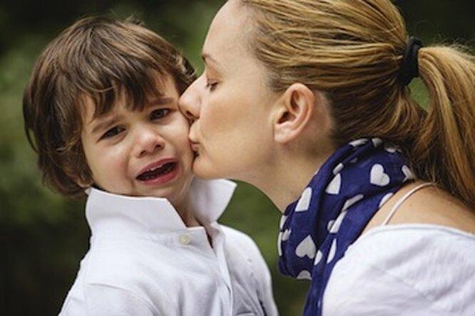 Почему ребенок плачет икак сэтим справиться