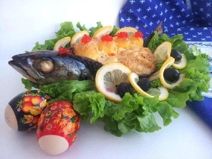 Рыба фаршированная луком и яйцом