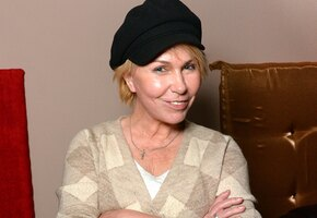 «Помолодевшая»: 54-летняя Ксения Стриж сделала подтяжку лица