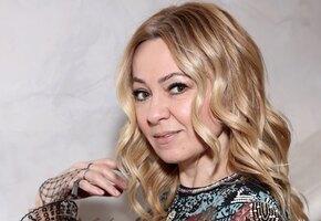 «Еле уговорила на фото»: Яна Рудковская показала старшего сына