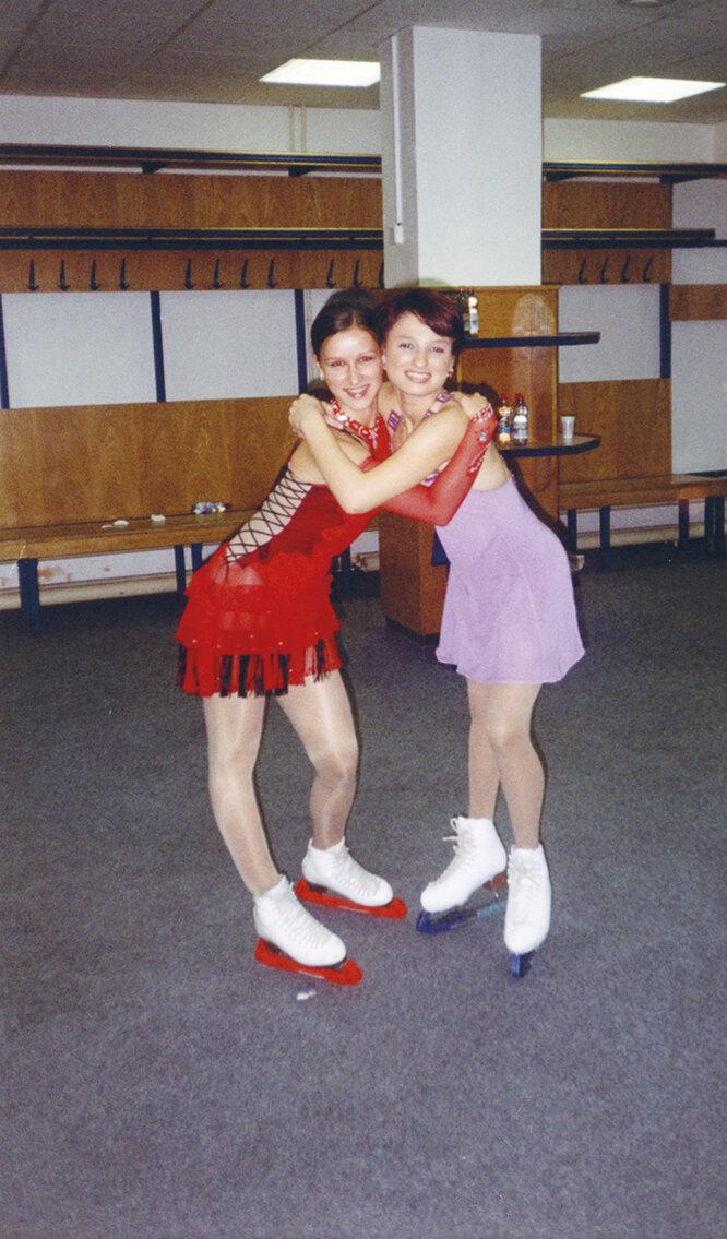 Татьяна Волосожар с Марией Мухортовой в 2003 году на юниорском Гран-при в Чехии, город Острава
