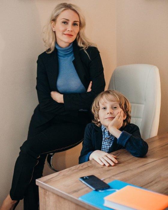 Катя со старшим сыном, 8-летним Даниилом фото