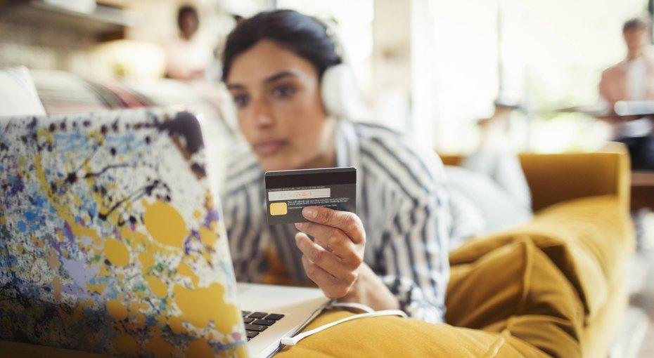 Внимание — опасность! 8 мест, где нестоит расплачиваться банковской картой