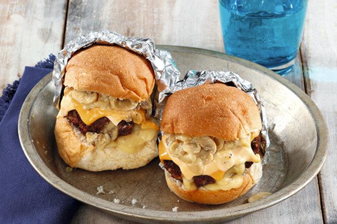 Бургеры с сыром и грибами