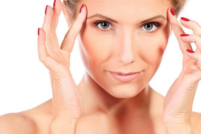 Новогодний макияж: 5 приемов косметологов, чтобы выглядеть моложе