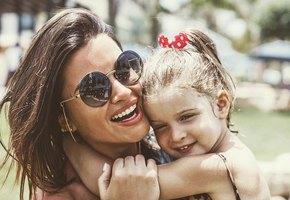 Трехлетняя дочь Ксении Бородиной рассказала, что мама доводит ее до слез. Видео
