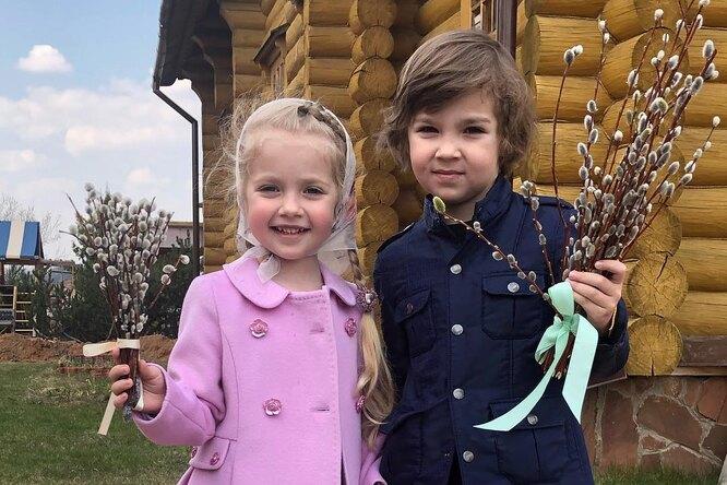 Лиза Галкина трогательно поздравила брата сднем рождения