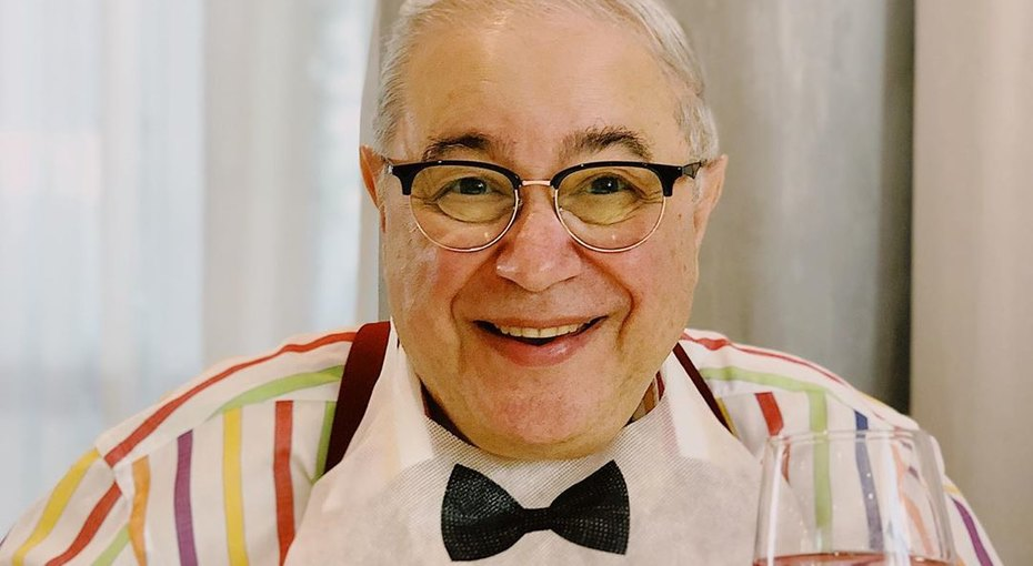 «Какой симпатичный»: 74-летний Евгений Петросян показал свое фото, сделанное 69 лет назад