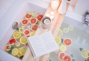 Как сделать столик-полку для ванны своими руками