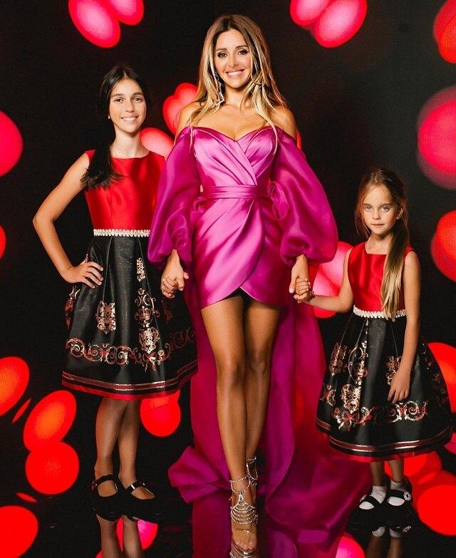 Анжелика Ревва с дочерьми