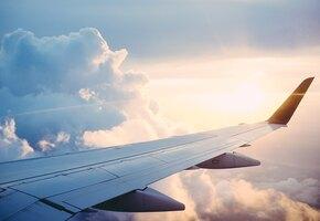 В небе только девушки: мать и дочь пилотируют первый совместный рейс