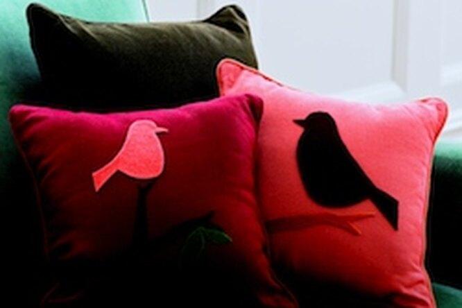 Аппликация надиванной подушке