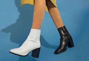 Не пара: почему инфлюенсеры носят туфли разных цветов?