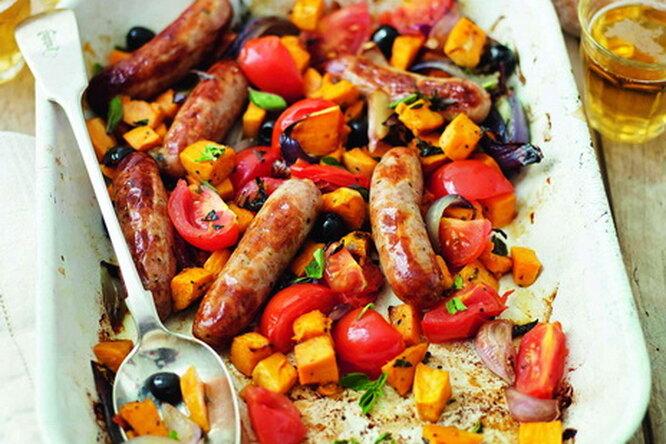 Сосиски с овощами по-средиземноморски