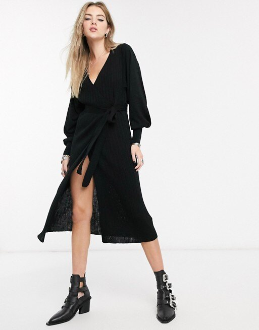 Трикотажное платье с запахом и объемными рукавами ASOS DESIGN, 2990 руб.