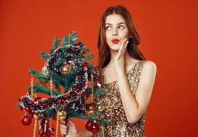 Быстро похудеть к Новому году: «сбросить» лишнее с помощью одежды и макияжа