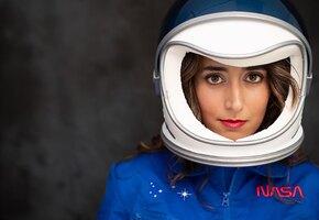 Девушка сделала двойную мастэктомию, чтобы ничто не мешало ей на пути в космос