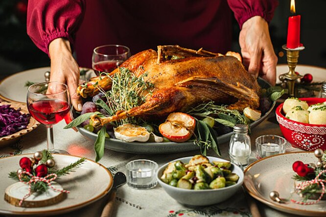 Полный срыв: как вернуться кправильному питанию после новогоднего застолья