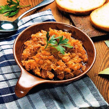 Рецепт бигуса из капусты с сосисками