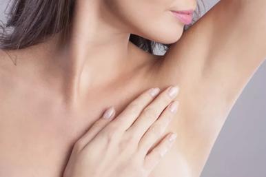 С чем связан слишком сильный запах пота ивредны ли дезодоранты?