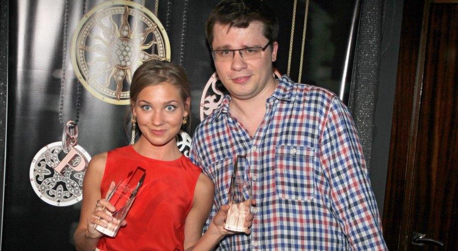 «Вы прекрасны»: Гарик Харламов показал своих сестер-близнецов