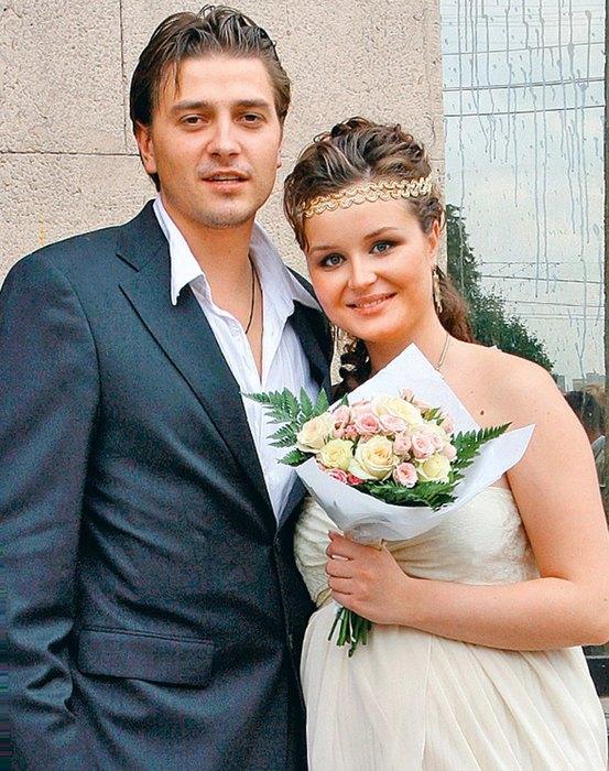 возникают хоть петр кислов и полина гагарина свадьба фото могла отправить заявку