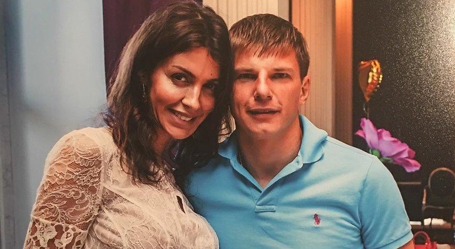 Жена Андрея Аршавина заявила вполицию, что футболист отобрал унее «Мерседес»