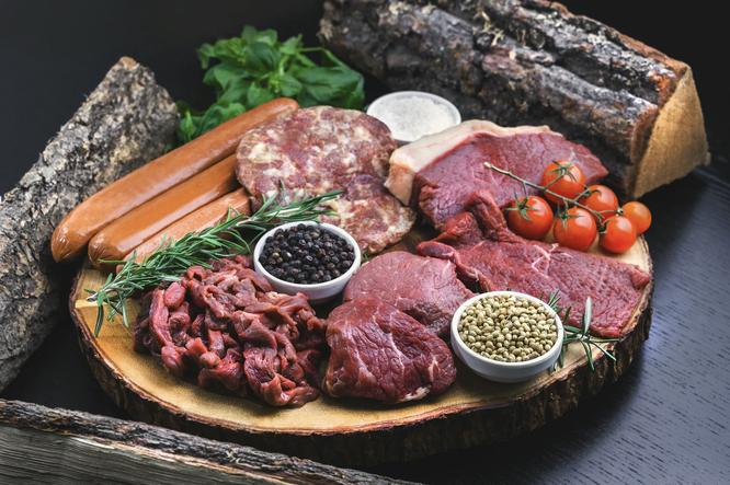 Вредно ли процессированное мясо сосиски колбаса
