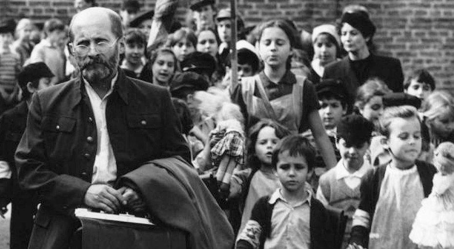 Старый Доктор, его дети игазовая камера. История Януша Корчака, самого лучшего человека