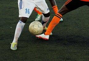 Футболисты чаще других людей страдают деменцией: названы возможные причины
