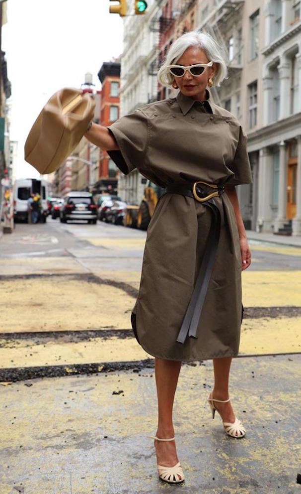 Грис Ганем в объемном платье с поясом