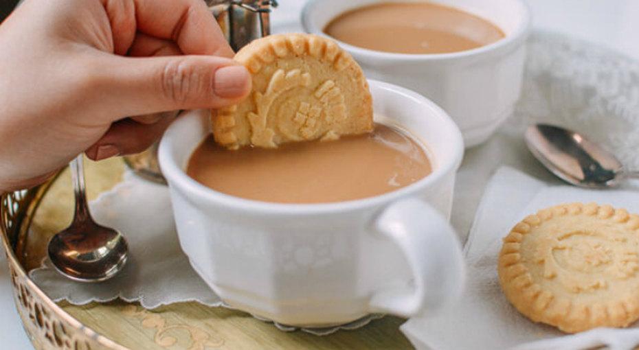 А вы пробовали пить кофе с чаем? Популярный в Гонконге напиток уже многим успел полюбиться