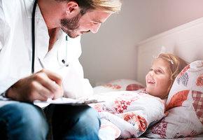 Почему врачи так по-разному лечат детей? Педиатр Федор Катасонов о простуде