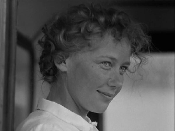 История Аси Клячиной, которая любила, да не вышла замуж (1966)