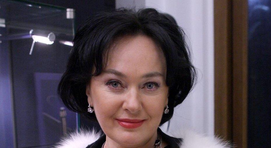 Лариса Гузеева после сообщения окризисе всемье отправилась наотдых смужем