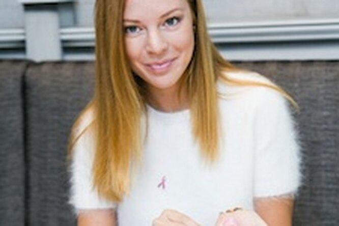Наталья Подольская, Виктория Исакова, Рената Литвинова иЮлия Снигирь поддержали акцию «Ты неодинока!»