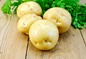 6 косметических хитростей, для которых нужна обычная картошка