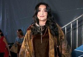 «Развод мне к лицу»: 56-летняя Лолита поразила поклонников стройной фигурой в облегающем платье